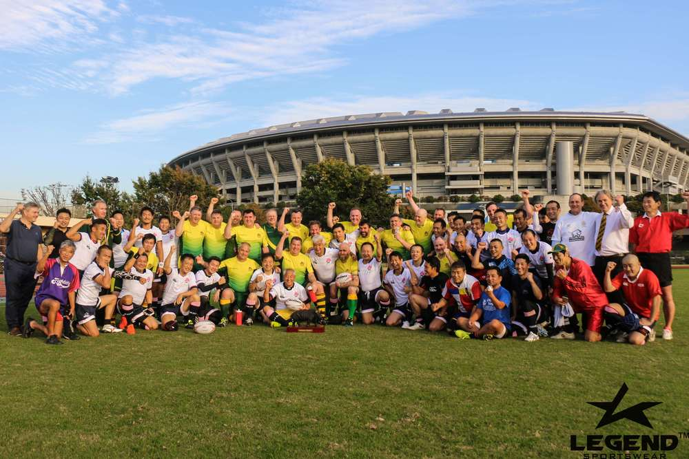 在日本横滨,大家比赛后的集体照片